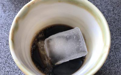 Przelewowa kawa na lodzie